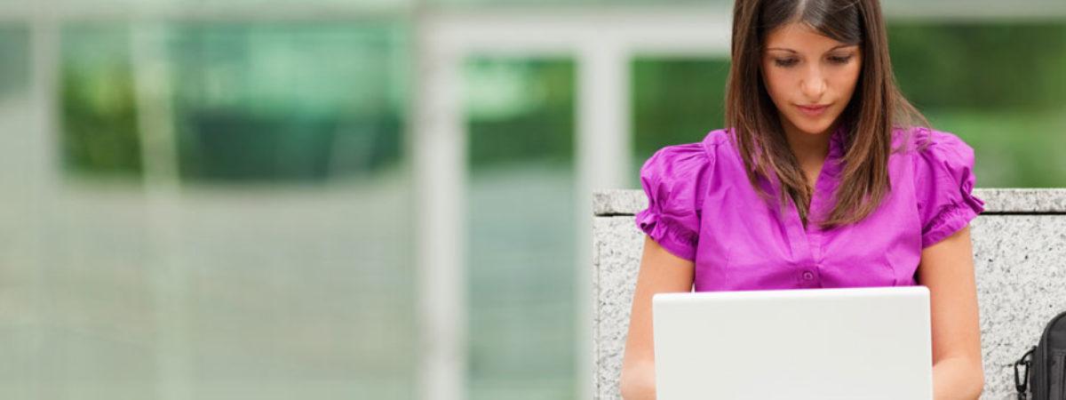 blog-woman-laptop